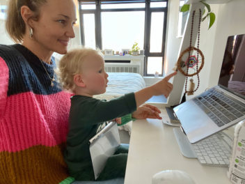 Isa Notermans working from home